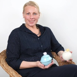 Eva Finkam, Sternenkinder-Bestatterin