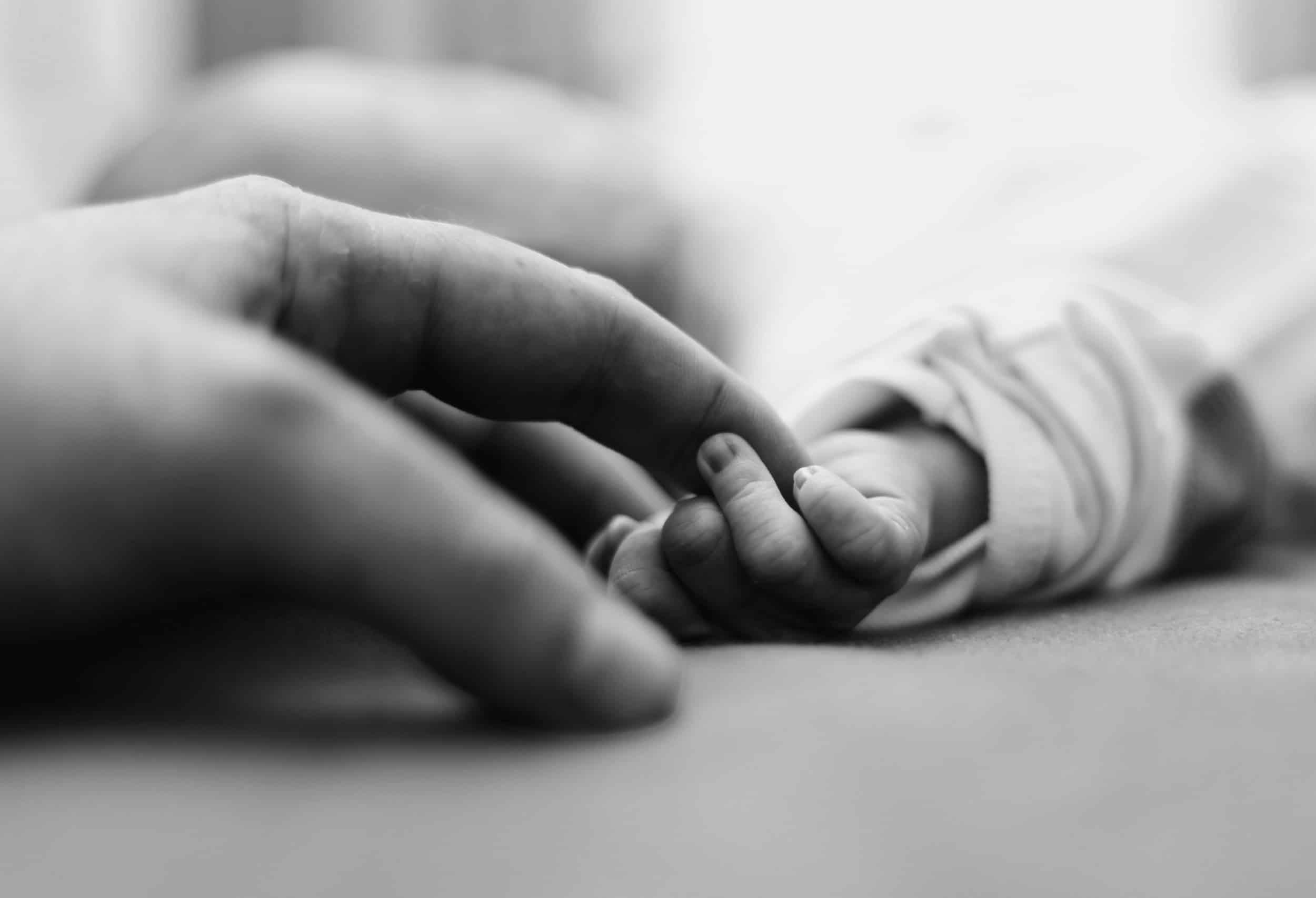 """Save The Date – 1. Interprofessionelle Fachtagung Perinataler Kindstod """"Was Hilft Den Eltern, Wenn Ihr Kind Stirbt?"""""""