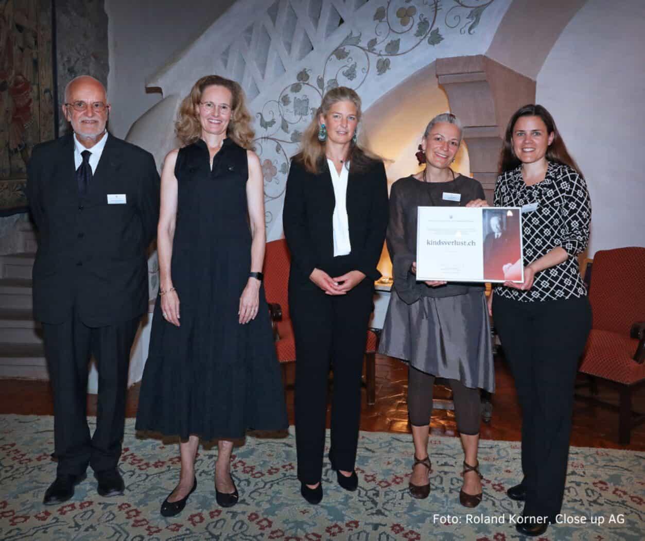 MEDIENMITTEILUNG: Fachstelle Kindsverlust.ch Mit Sitz In Bern Gewinnt Franz Josef Von Liechtenstein-Preis 2020/21